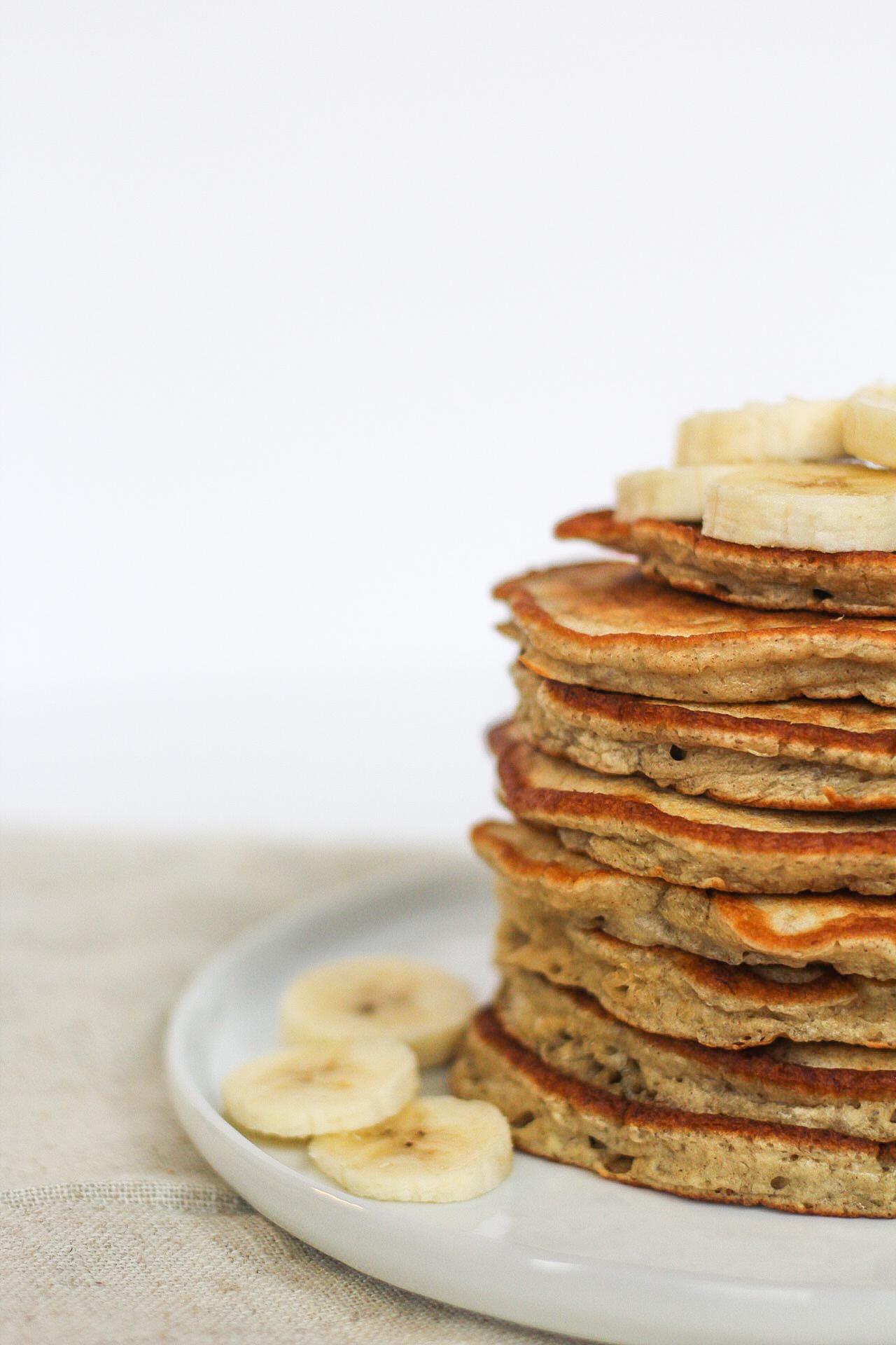 Light and Fluffy Banana Pancakes