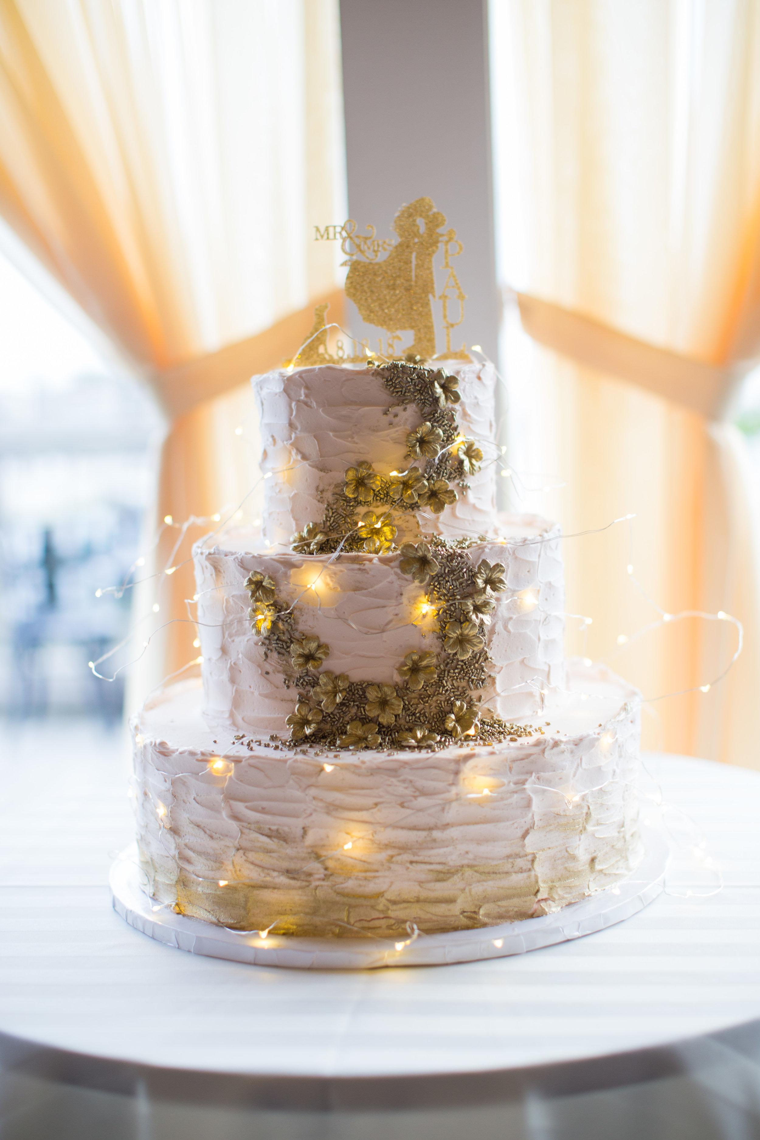 The cake toppper.jpg