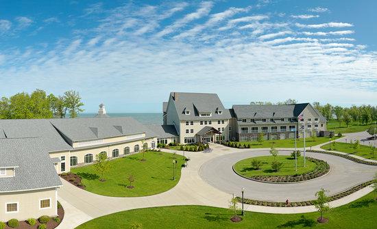 The Lodge At Geneva-On-the-Lake - https://www.thelodgeatgeneva.com/