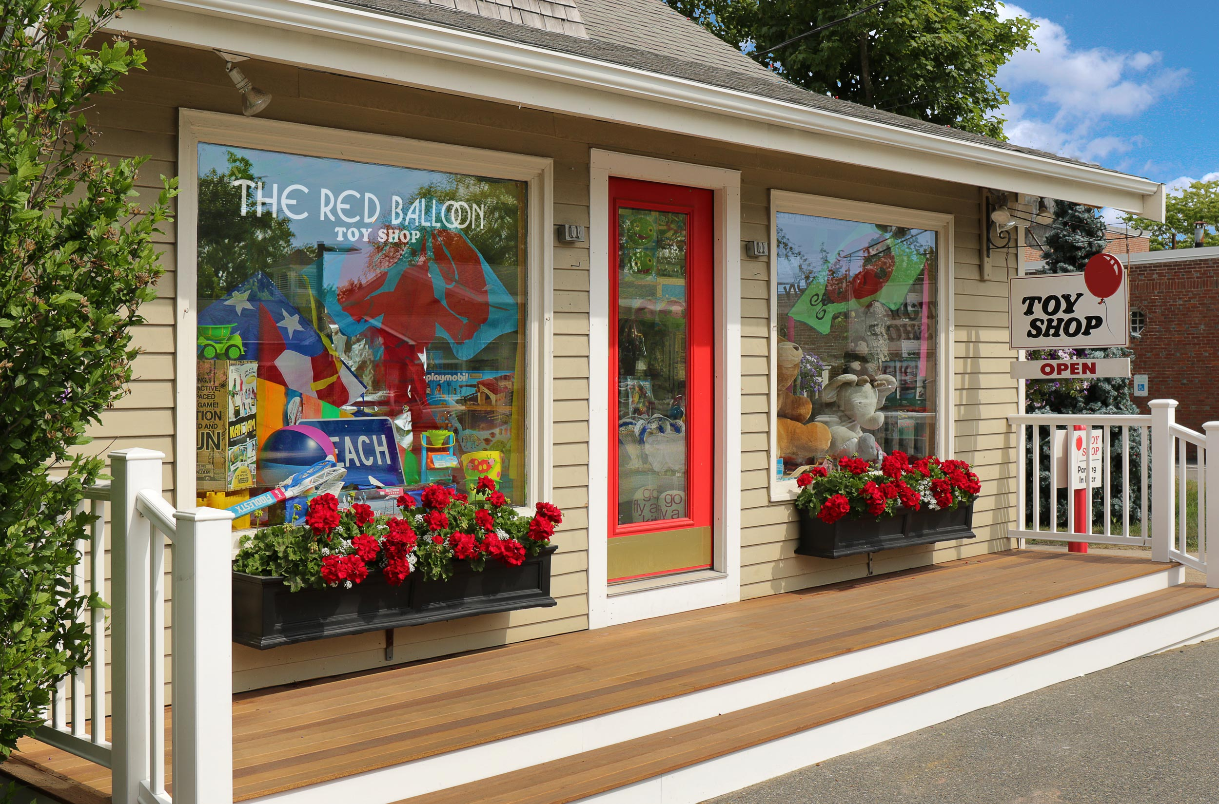 The-Red-Balloon-Toy-Shop-Orleans-Cape-Cod.jpg