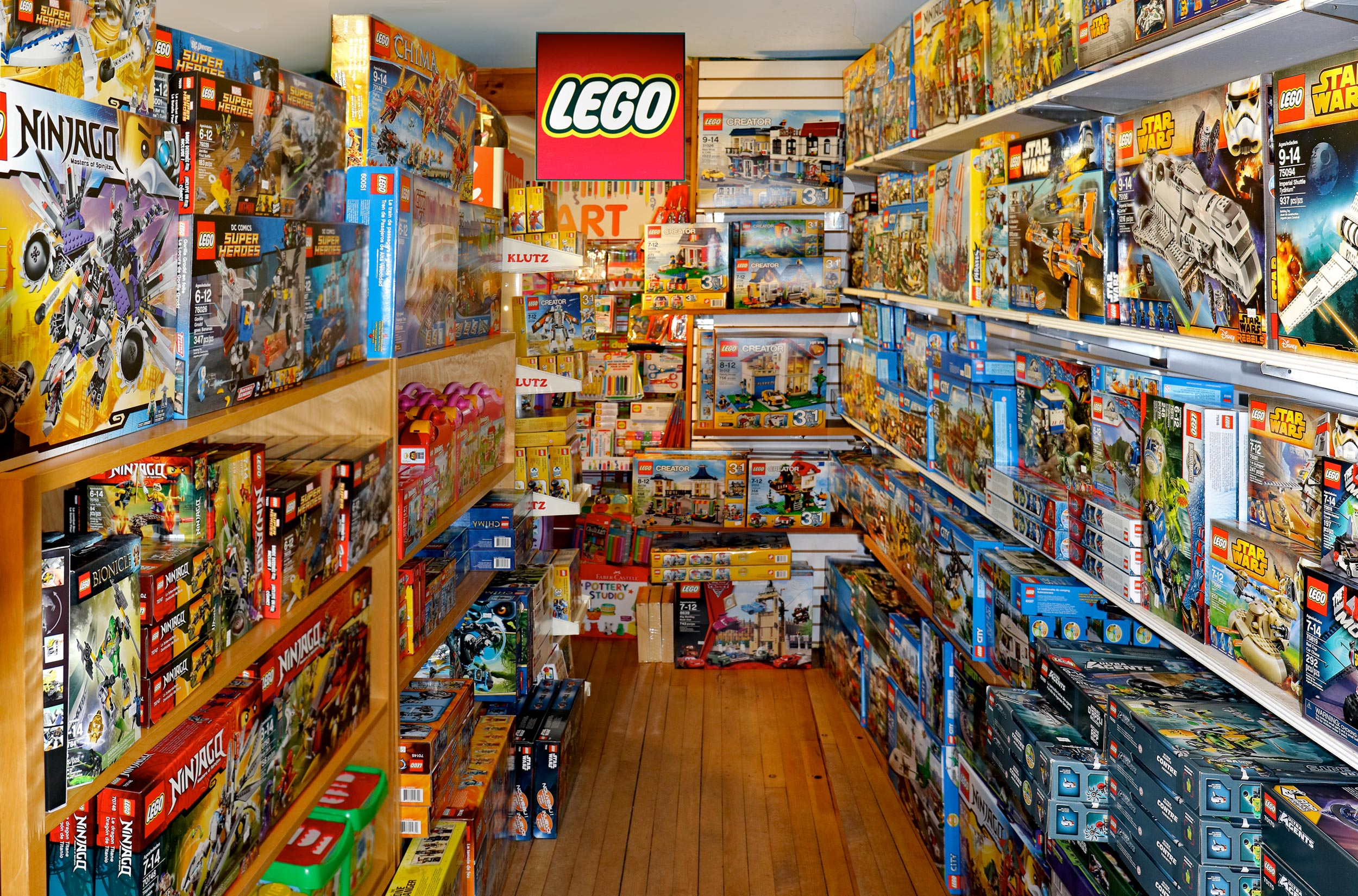 The-Red-Balloon-Toy-Shop-Orleans-Legos-Cape-Cod.jpg