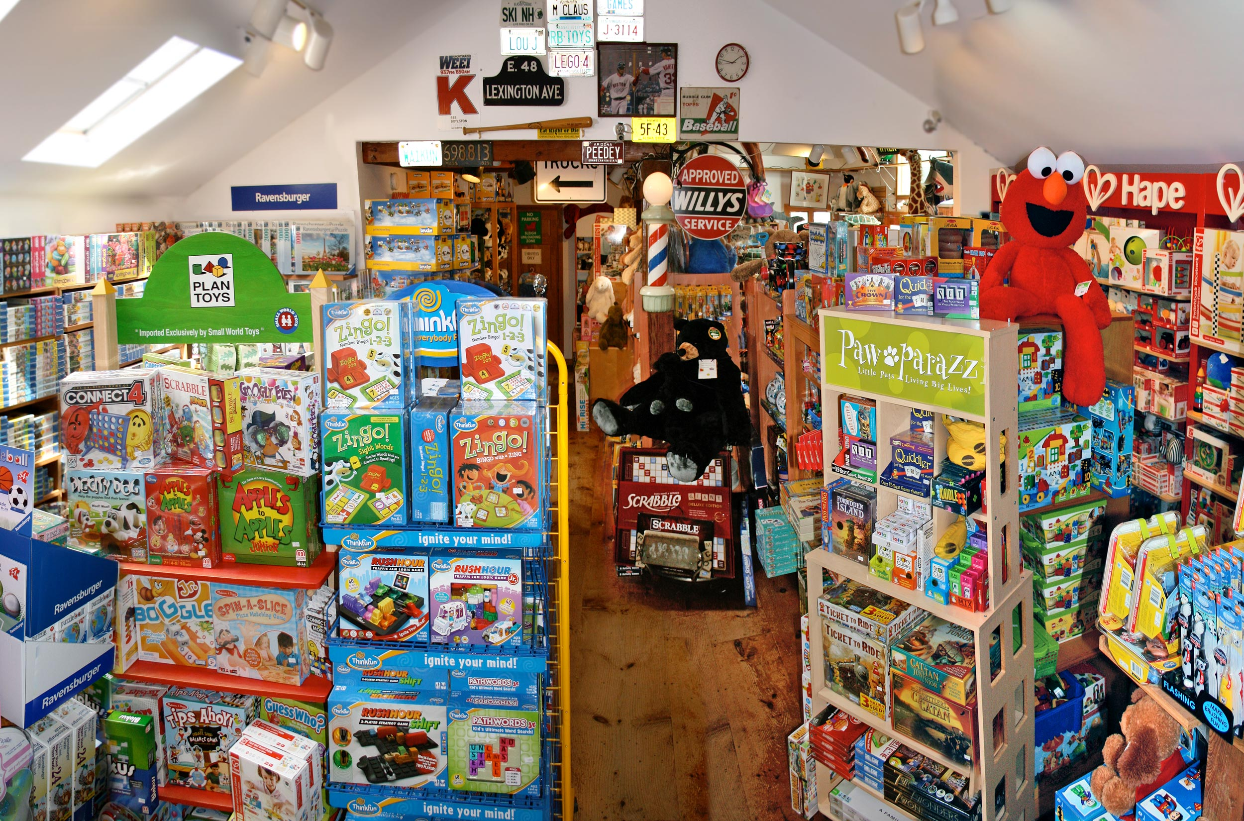 The-Red-Balloon-Toy-Shop-Cape-Cod-Toys.jpg