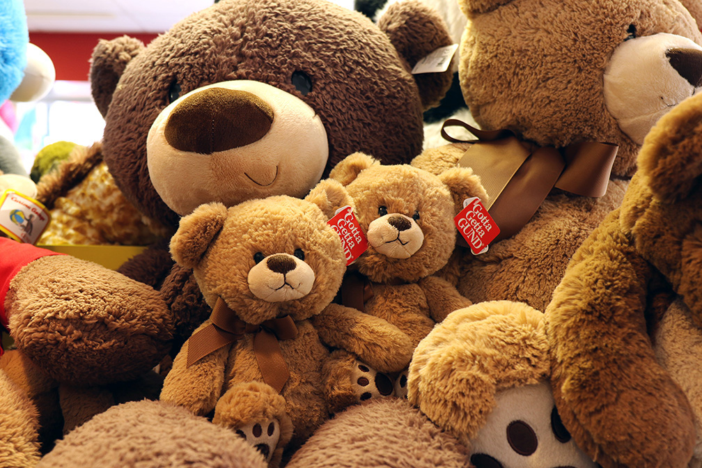 Stuffed-Animals-Bears-Gund.jpg