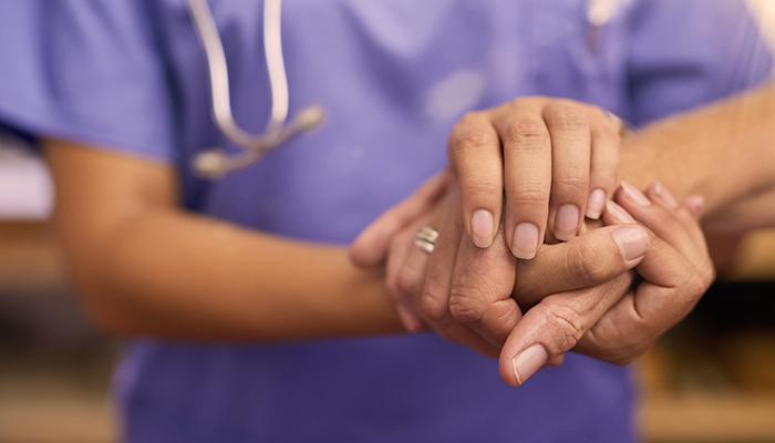 Contamos con los mejores profesionales del medio, quienes podrán responder tus consultas y orientarte en la toma de decisiones que les permitan asegurar la salud y bienestar de tu familia.