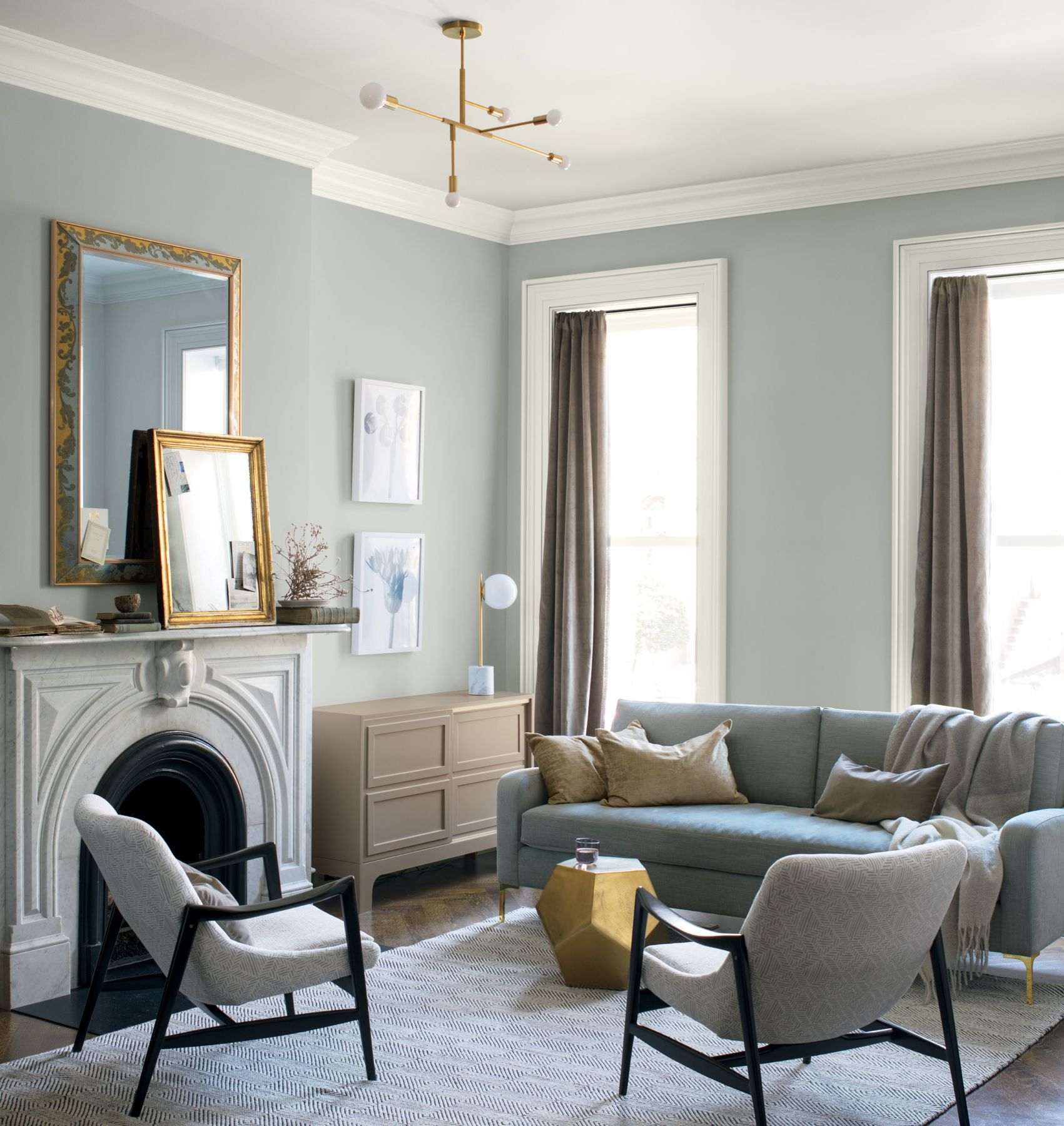 2019 Colour of the year - Metropolitan(AF-690)  A stylish blue-gray with cool blue undertones that reflects modern sophistication.