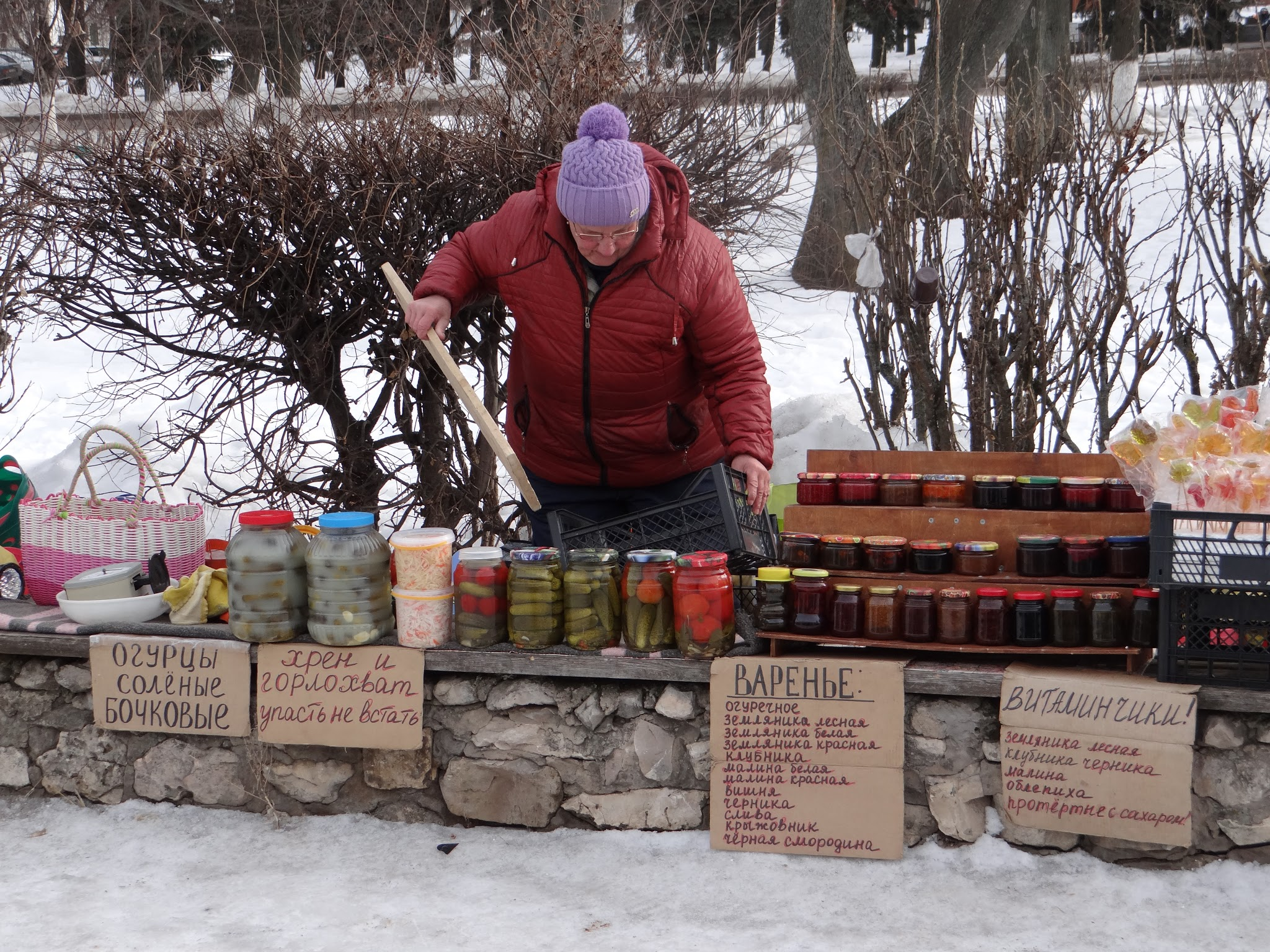 Street selling of homemade pickles and confiture is a Russian classic, but here in Suzdal it is taken at a whole new level