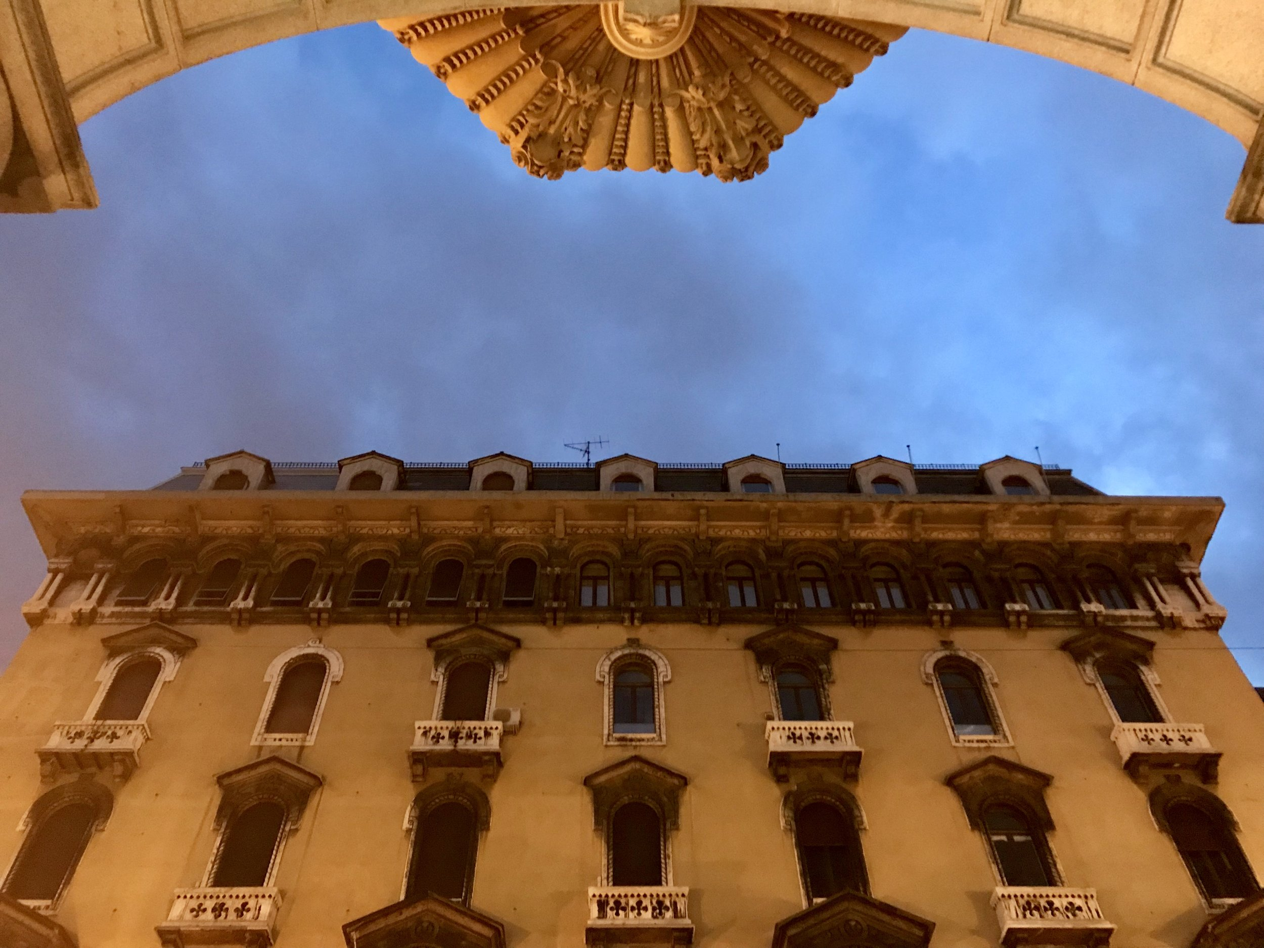 genoa palaces evening.jpeg