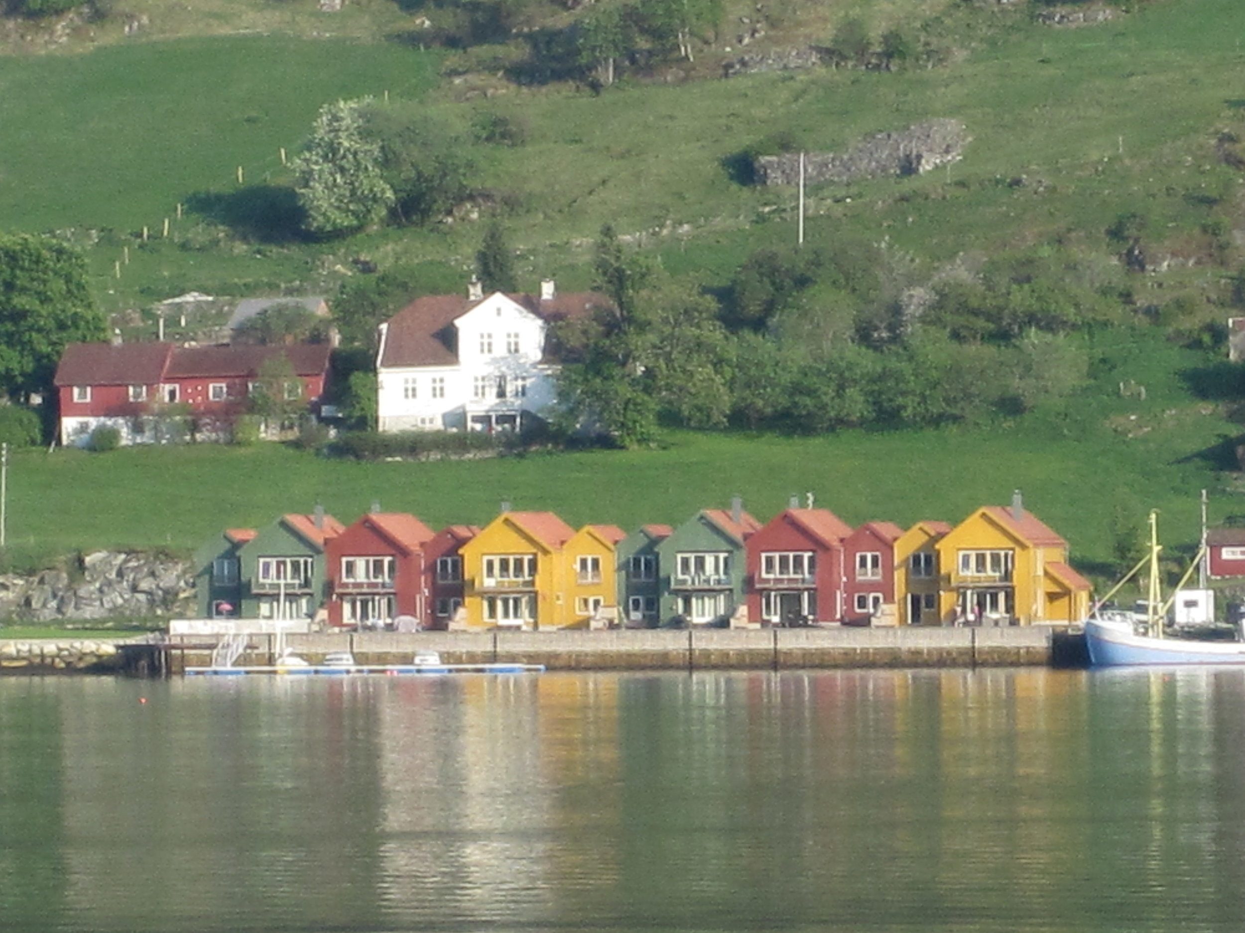 norwegian+colourful+houses.jpg