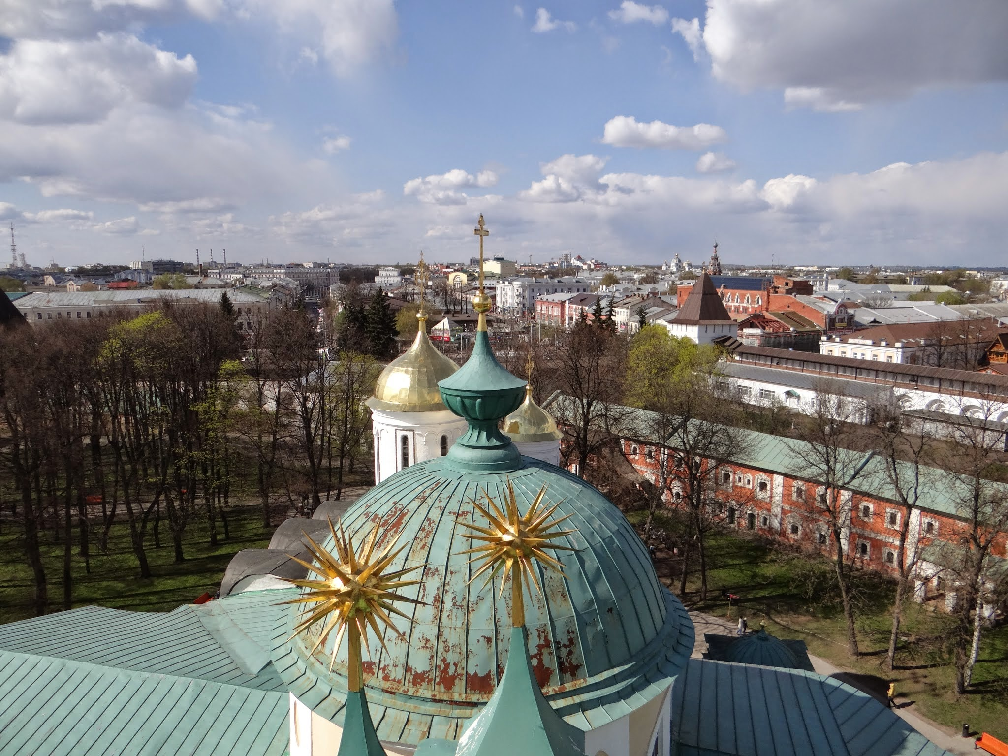 The modern city of Yaroslavl in the background