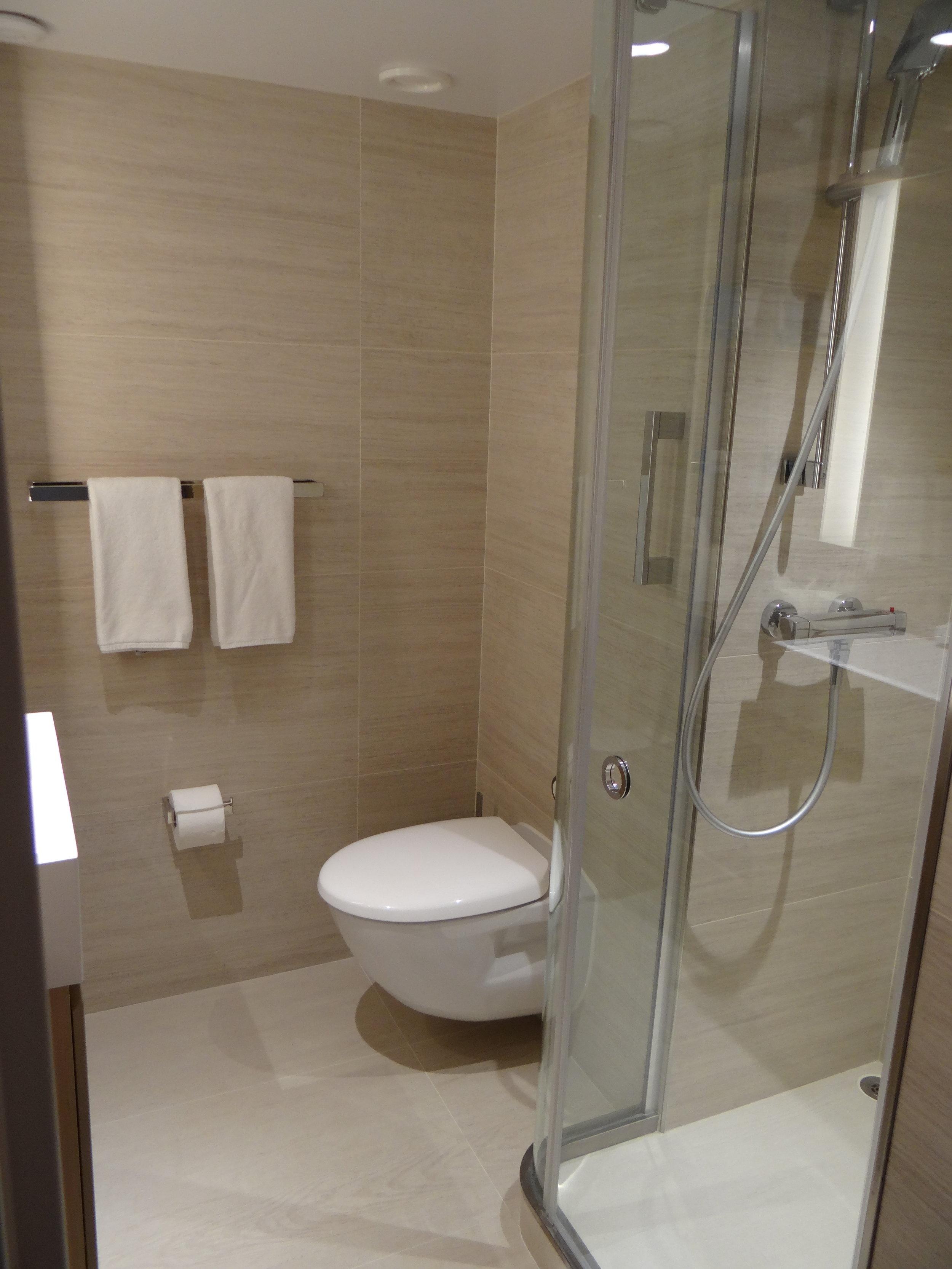 viking cruises bathroom cabin.JPG