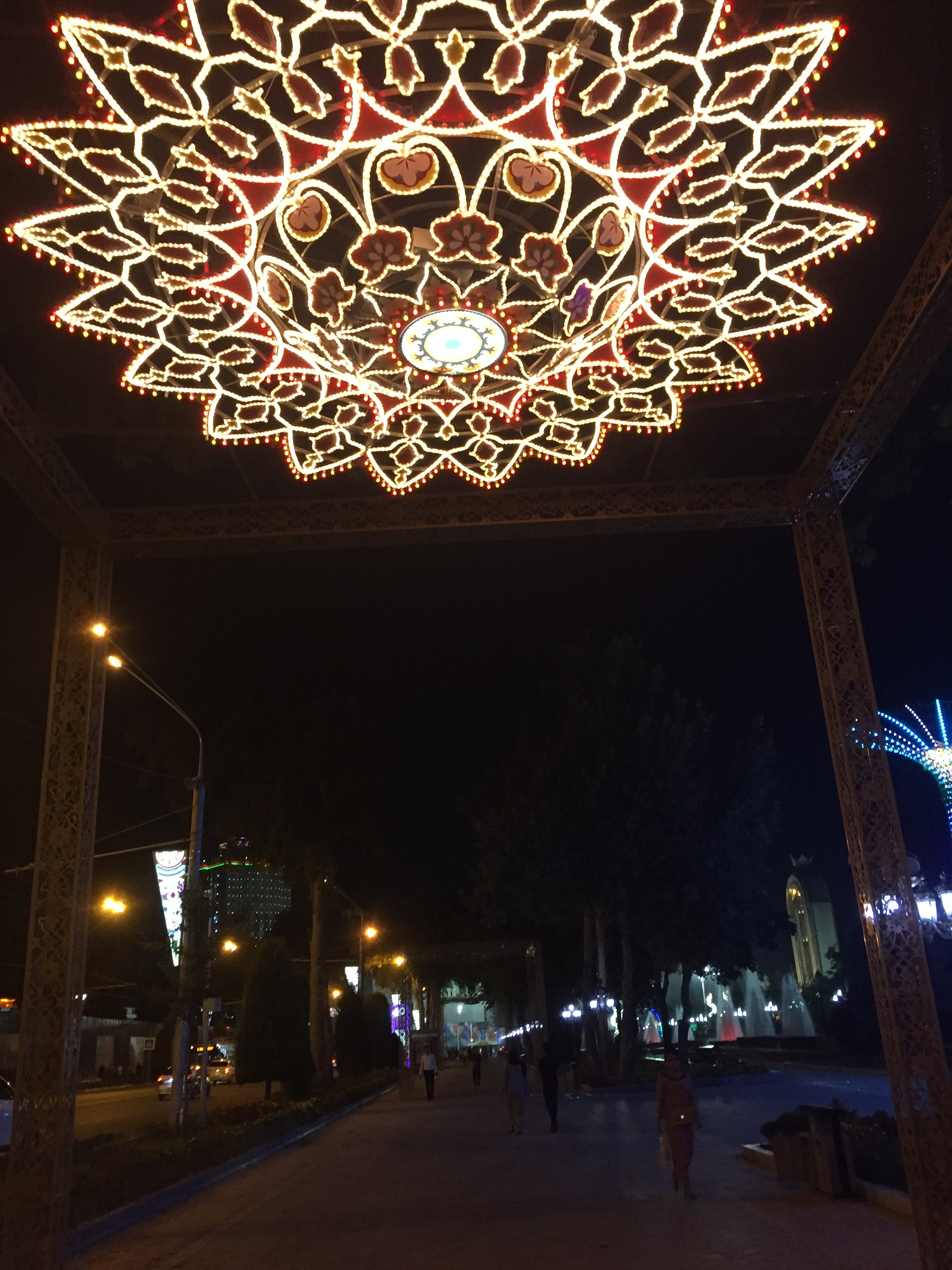 dushanbe street decor.JPG