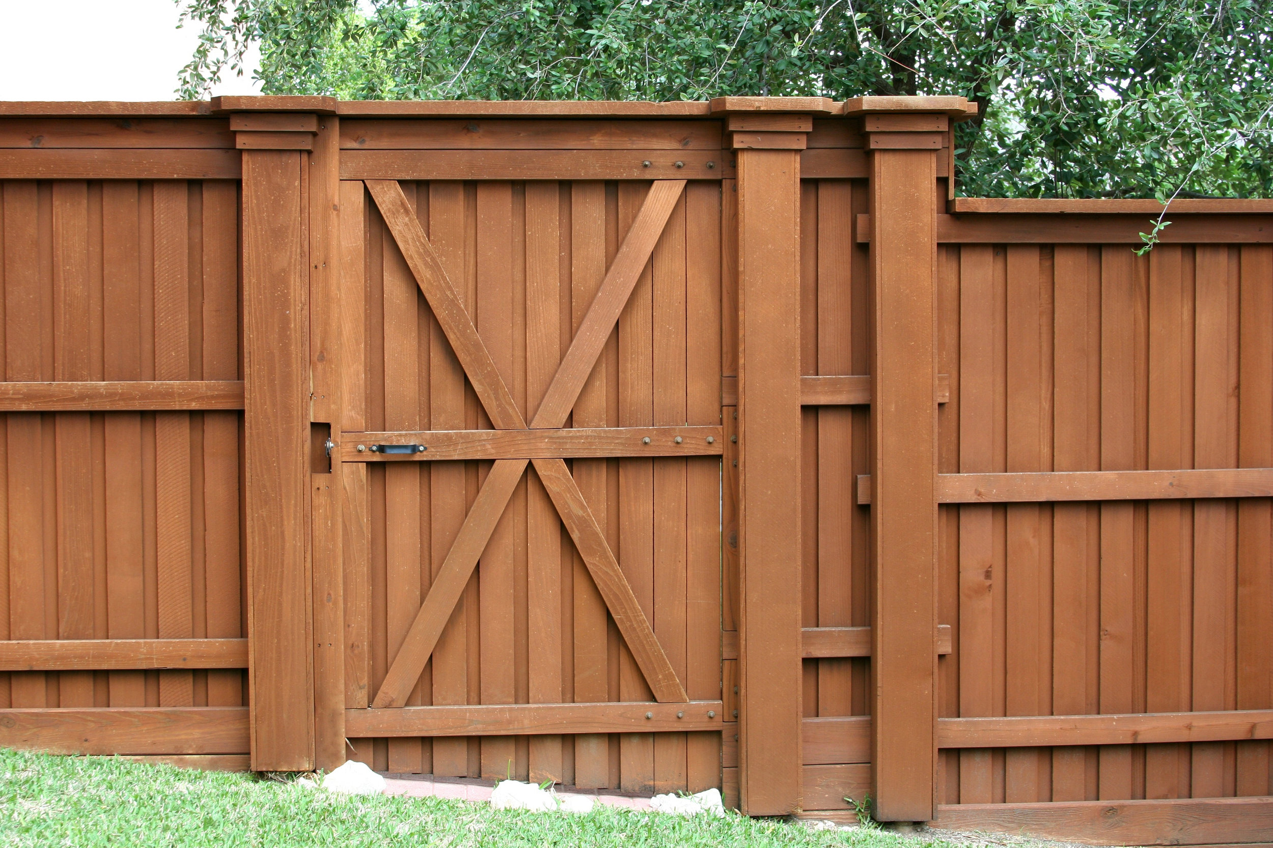 Country-Lumber-Cedar-Fence.jpg