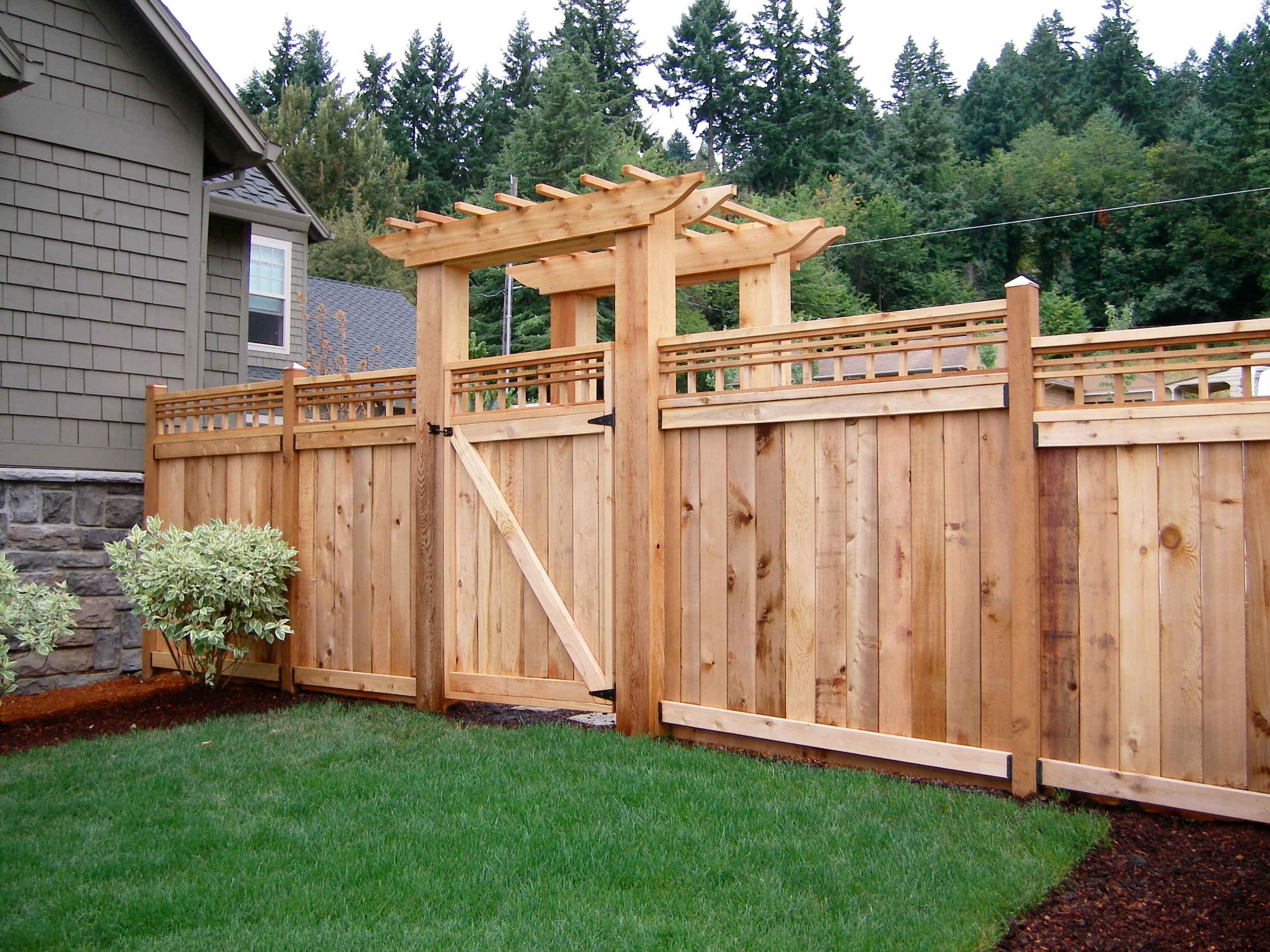 Country-Lumber-Cedar-Fencing-Langley-BC.jpg