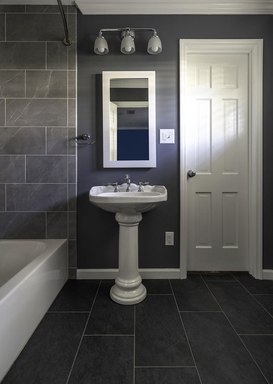 018_Hodge_Bath.jpg