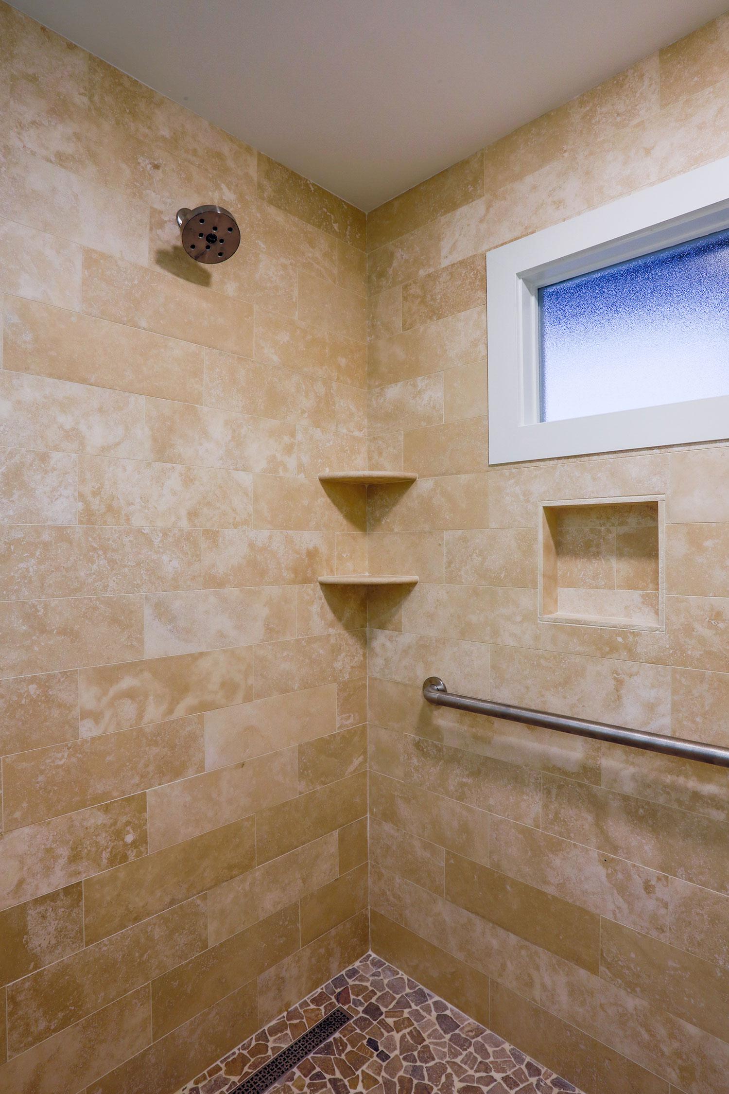 027_Hodge_Bath.jpg