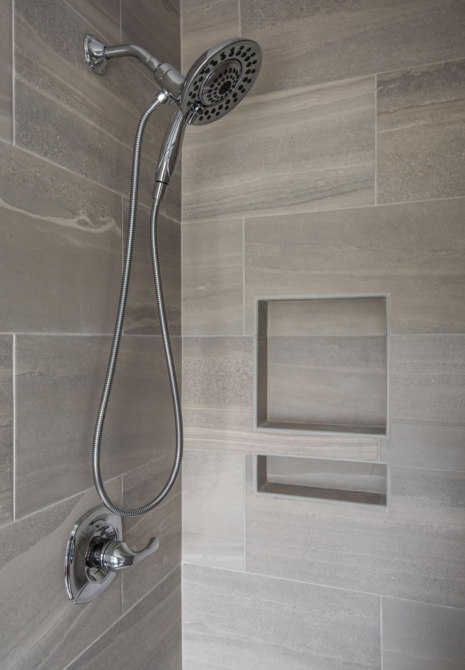 028_Hodge_Bath.jpg
