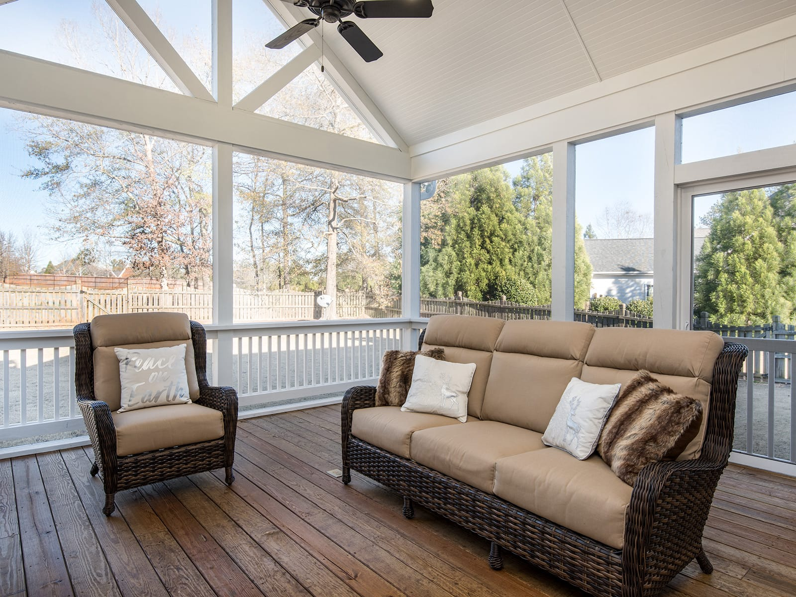 screened-porch-8-low-res.jpg