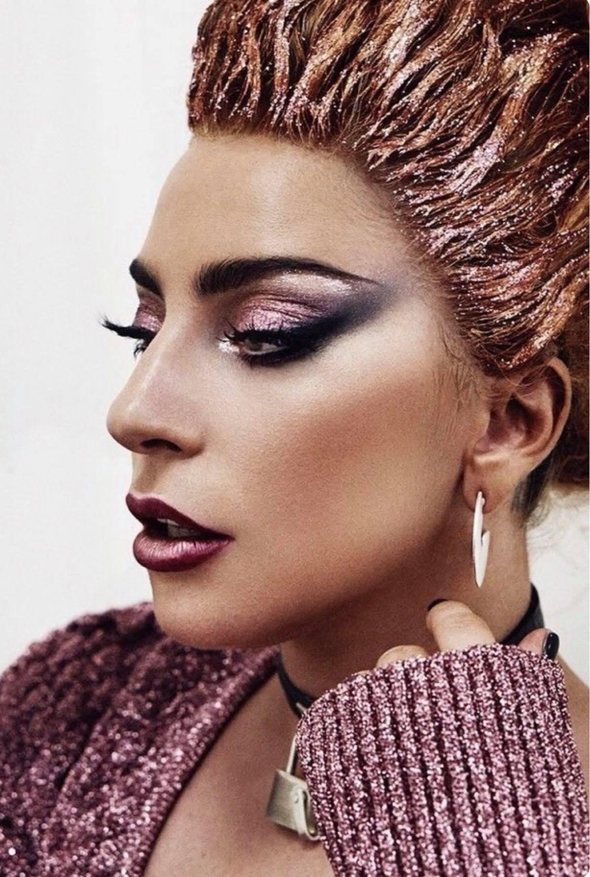 Striking Make-Up - by https://www.instagram.com/gemmahowellmakeup/