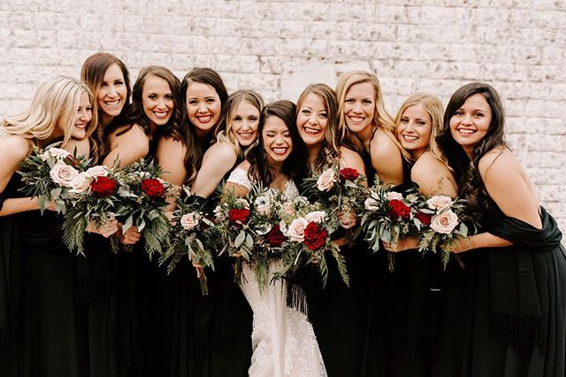 Having your girls by your side on your special day is so special! One thing that I love is the encouragement and love that a bride receives from her bridesmaids! These ladies did not disappoint. And @courtterrill you were stunning!!