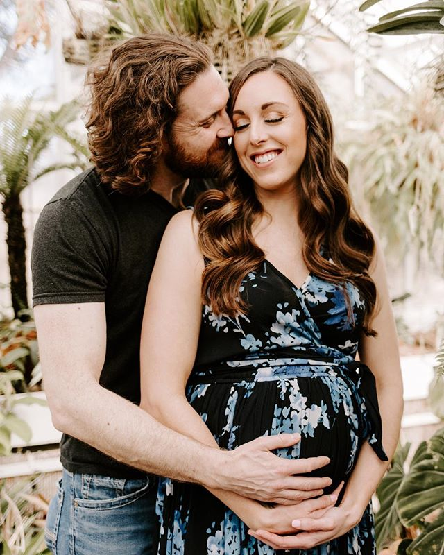 @meaghan_fuhrman makes pregnancy look so good!! So glad I got to send out this maternity session today.