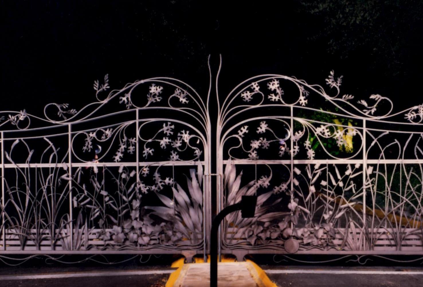 Zilker-Garden-Gate2.jpg