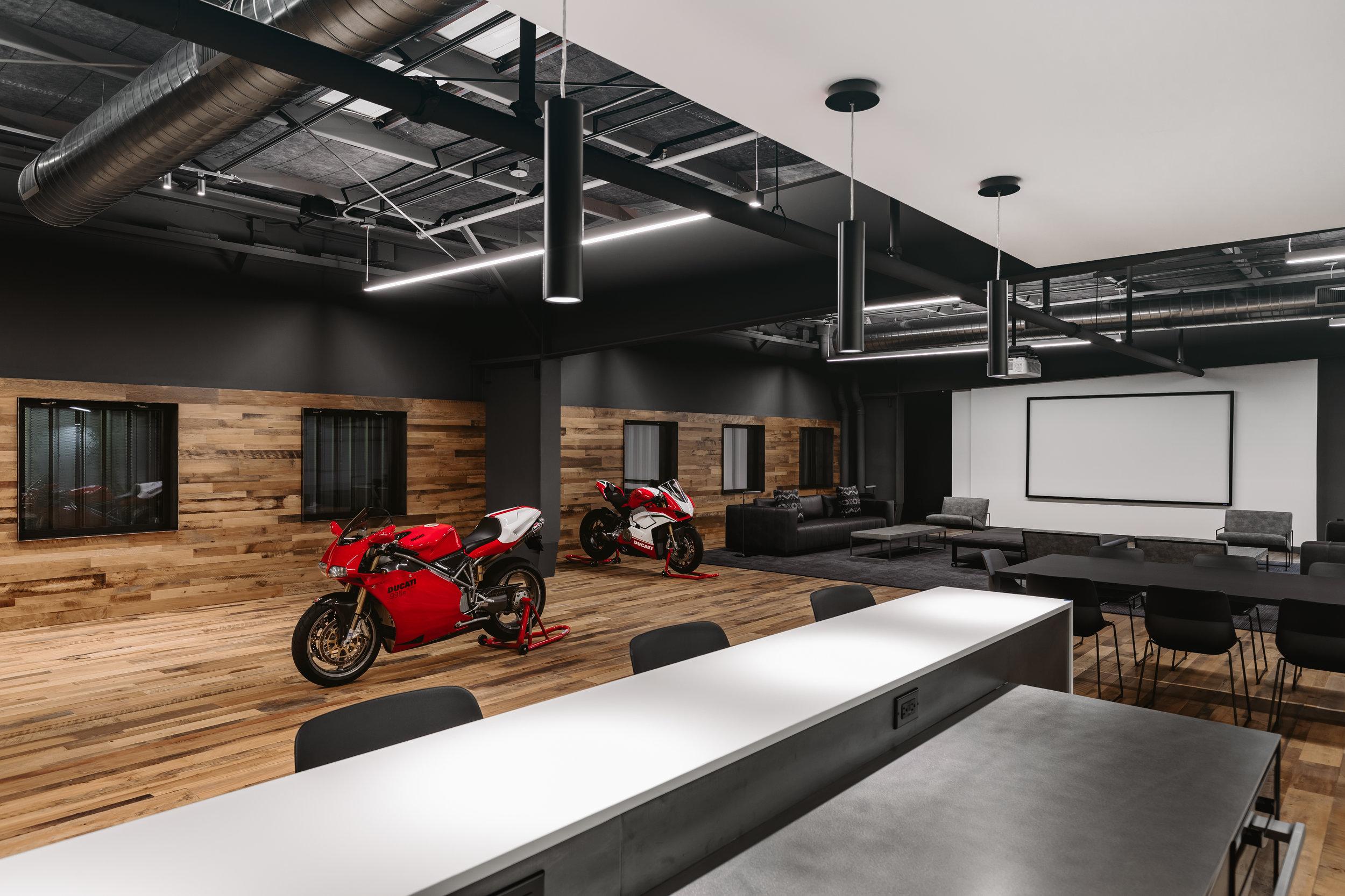ABE1_OTTO_Building_Ducati-7.jpg