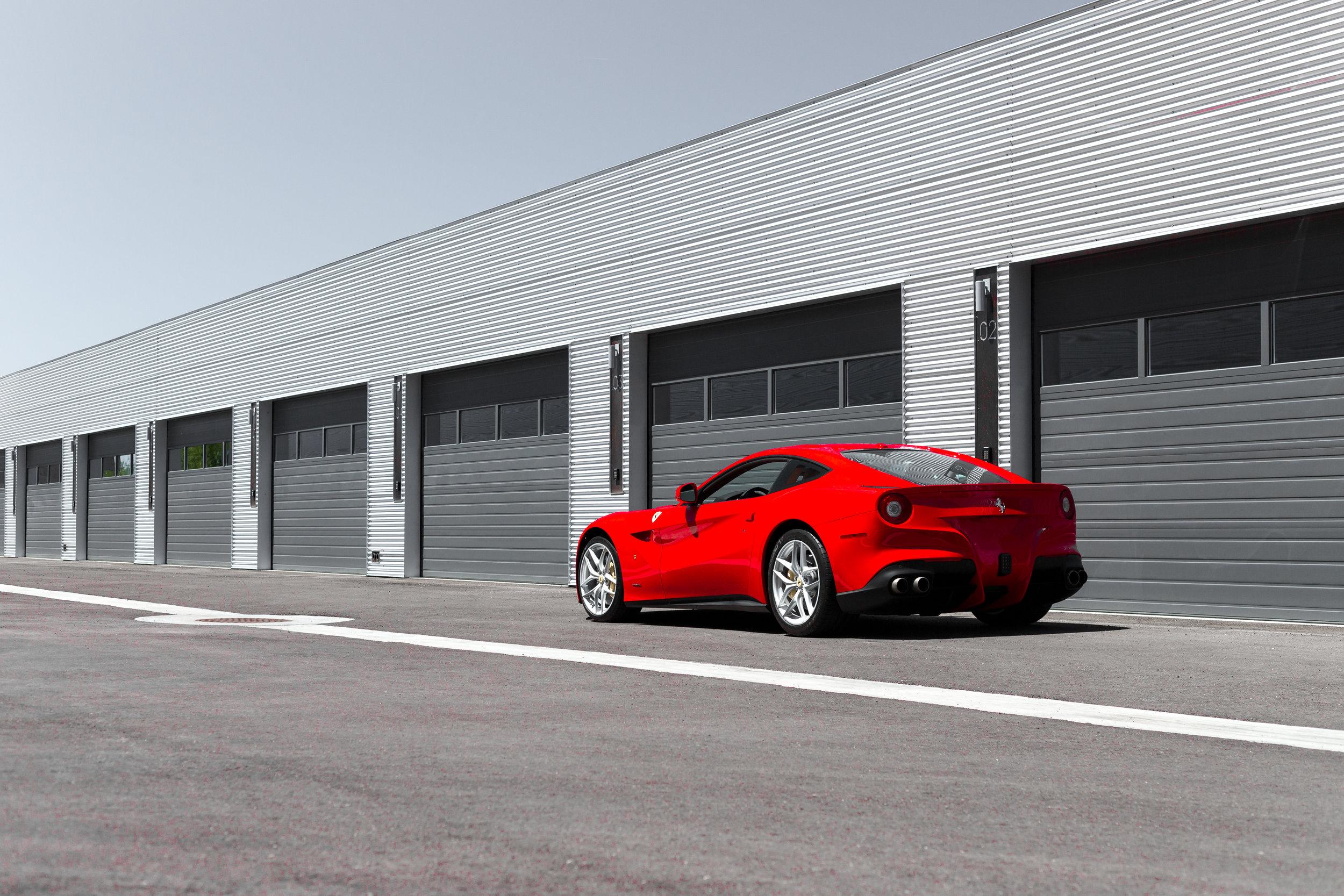 ABE1_OTTO_Ferrari_F12_-4.jpg