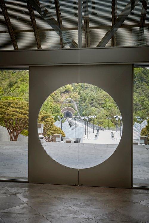 museum+inside+looking+out.jpg