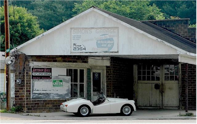 simon's garagesm.jpg