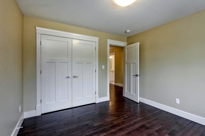 7435 106 St NW Edmonton AB T6E-large-072-031-Bedroom 2-1500x1000-72dpi.jpg