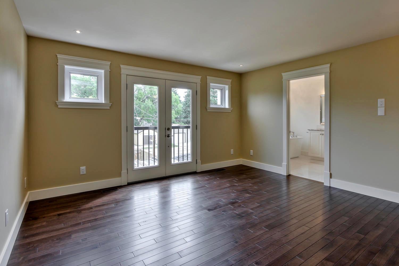 7435 106 St NW Edmonton AB T6E-large-081-056-Master Bedroom-1500x1000-72dpi.jpg