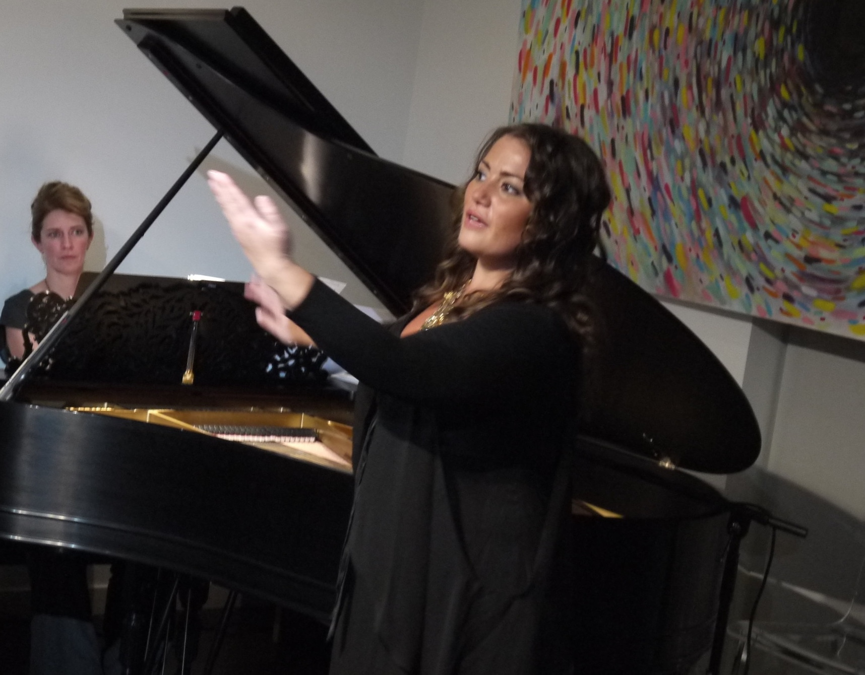 Mezzo Heather Johnson (New York Metropolitan Opera) shares her powerful voice and rigorous career path with the Canvas Lab audience.