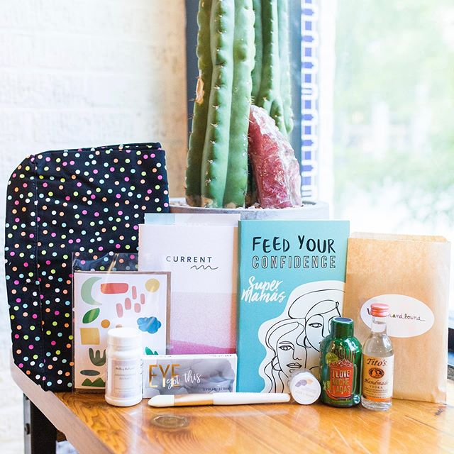TODAY IS THE DAY! ✨here is a peek at what's inside our amazing swag bags for our conference attendees 🤩  Tap the photo for all of our amazing vendors #currentconference2019 📸@alyssajaraephotography