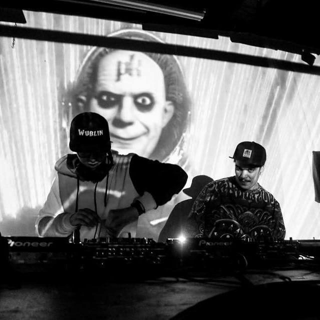Doing the thing with the badmon @docto_strange_ . . . . . . .📸 @liahlaurino #bassmusic #dj #glow #neon #averagegypsy #pksound #hisociety #adamsfamilyentertainment #glitch #funk  #wubblegang #wublin #doctostrange