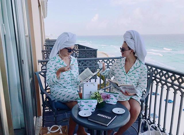"As you can ""sea,"" Zfluencers Ingrid and Isabella V. look amazing in Mexico with their August Morgan nightshirts and travel bags! #zfluence"
