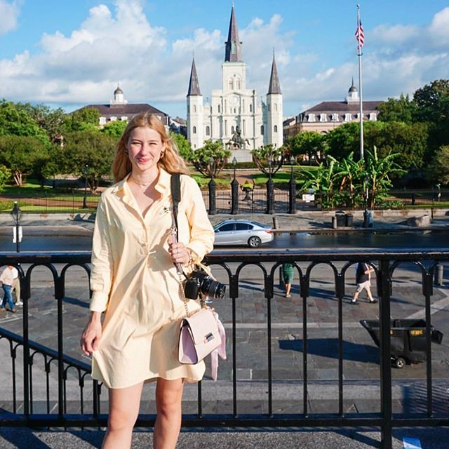 As Zfluencer Kate Z. shows us in this post, this sunny, easy-to-wear shirt dress from August Morgan is perfect for summer travels to New Orleans! #zfluence