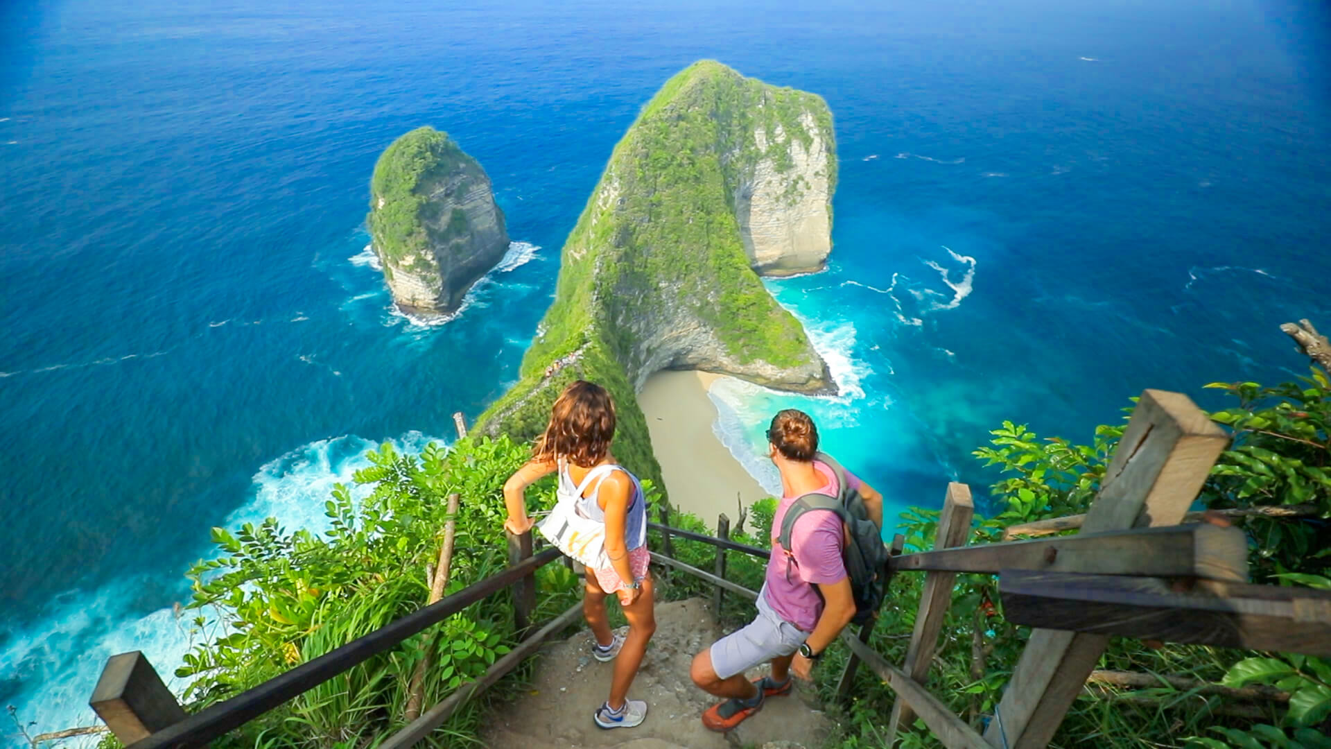 Exploring Kelingking Beach Nusa Penida Freediving School.jpg