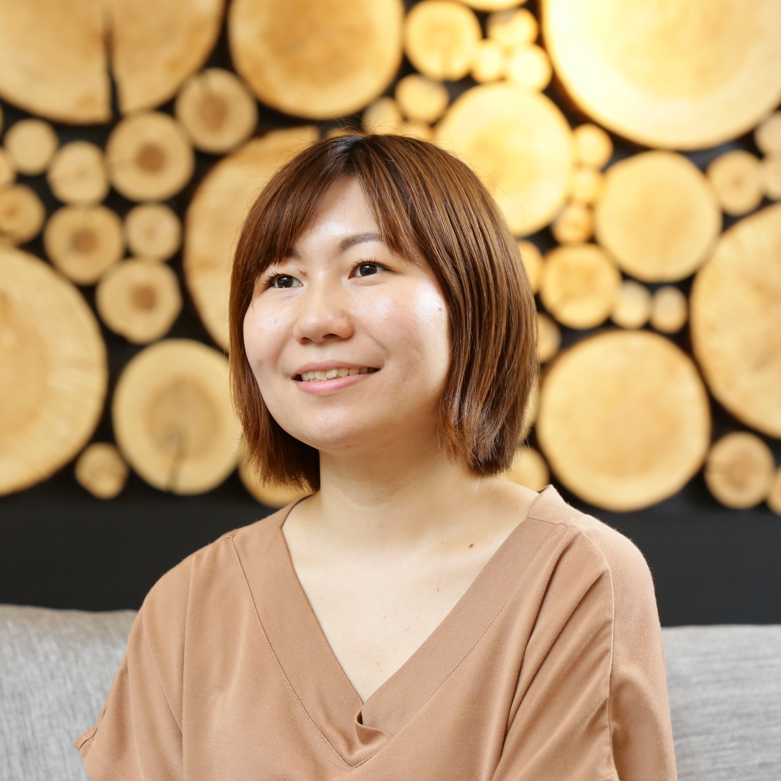 "Misato Matsuo - Japan Interviewer Association certified interviewer/writer. Beyond creating original content for Wahl+Case, such as this piece, she interviews executives or authors for Flier, Inc.She is currently working on her life's-work, ""A Career Interview Service"", interviewing people who are leading interesting lifestyles. She also has a blog for Education and Career Interviews."