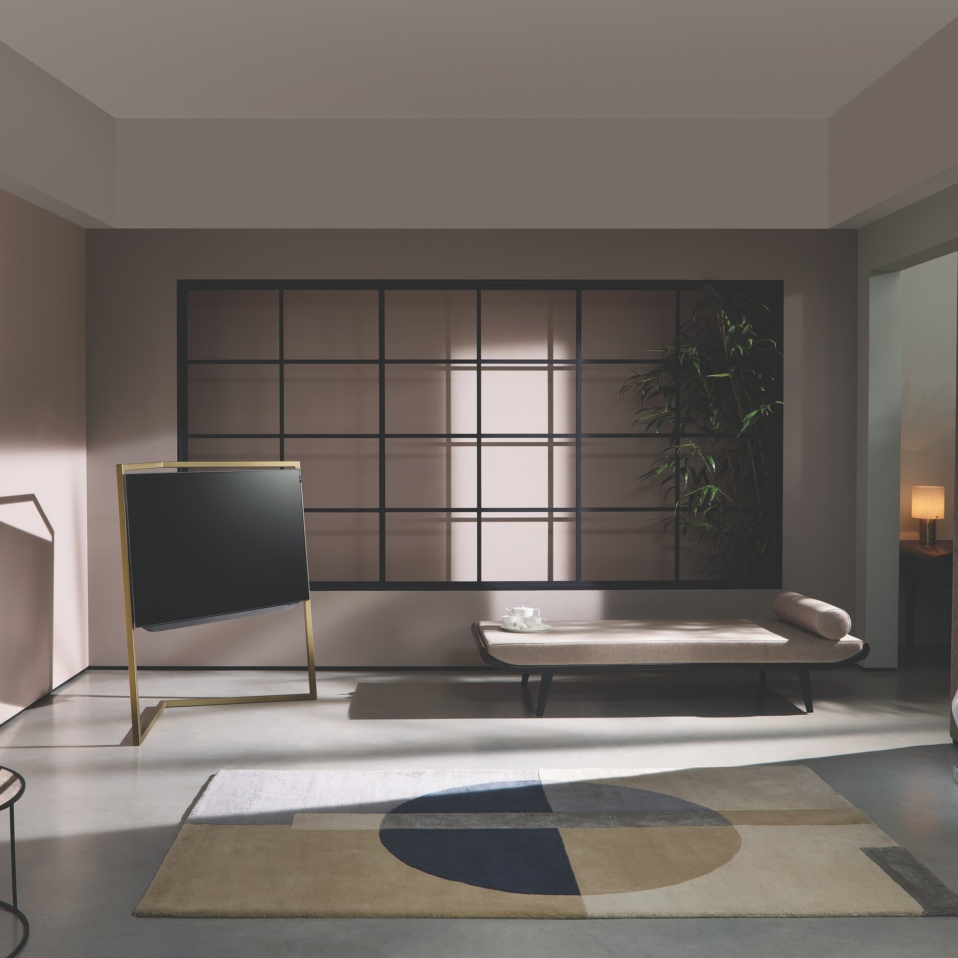 デザイン性の高い居住空間 - moover を利用すると、インテリアのエキスパートが厳選しコーディネートした、ハイグレードな家具のある空間に即居住することが可能です。家具選びに労力を費やすことも、従来の家具付き賃貸の部屋に備え付けの、安価なファスト家具に不満を抱くようなこともありません。