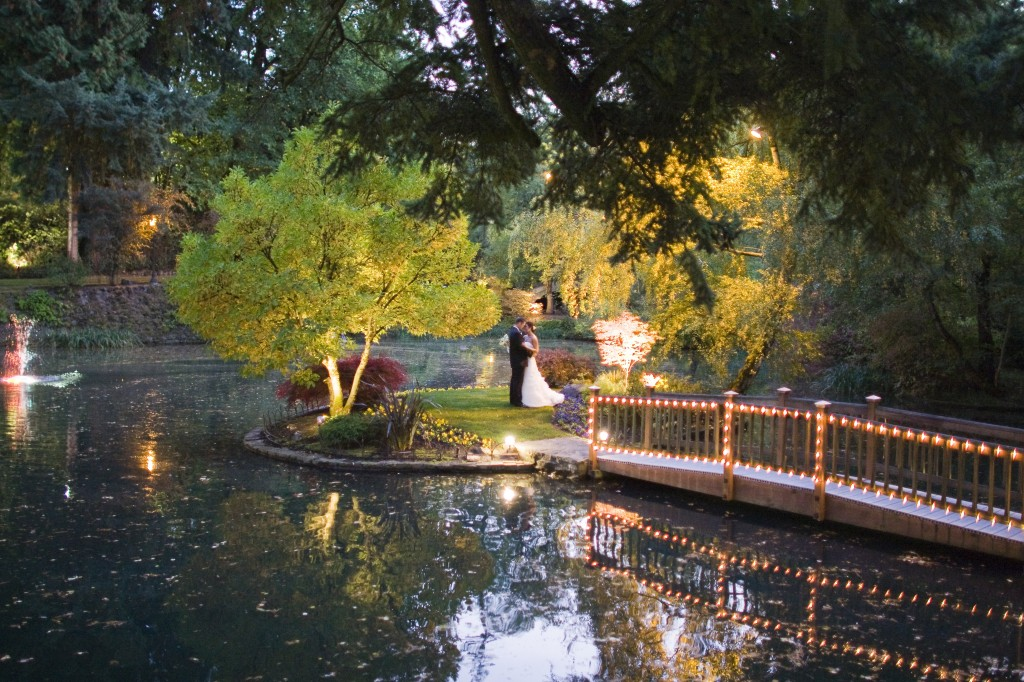 holland-studio-bride-a-groom-on-small-island-1024x682.jpg