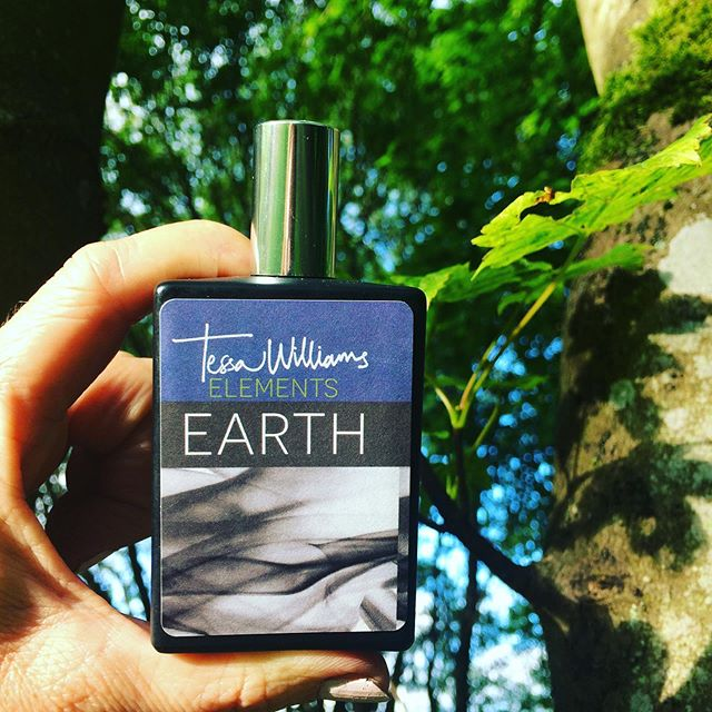 """TREES ARE POEMS  THAT THE EARTH  WRITES UPON THE SKY"" Khalil Gibran  #khalilgibran #earth #earthcologne #theelements #poetry #perfume #cultperfumes #summervibes #summerperfume #thisissummer #tessawilliams #earth #water #air #fire"