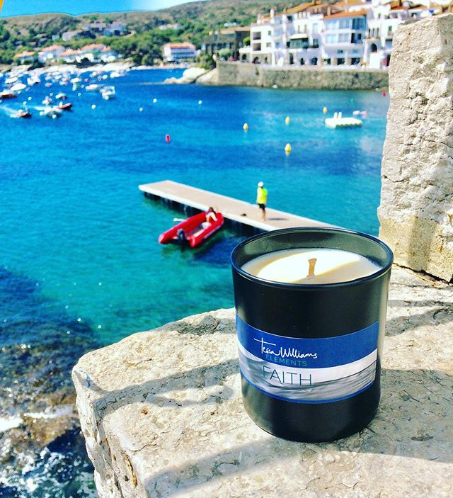 Not sure whether I'd like to jump in that dinghy or light the candle ????.... Hmmm FAITH brings you many choices ... but mainly confidence to believe in yourself ❤️ #havefaith #faith #love #hope  #elements #faithquotes #loveyourself #loveistheanswer #ocean #beaches #summerscents #scentsofsummer #neroli #earlgreytea #lovethisscent #candles