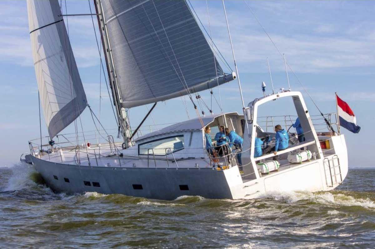 expedition-sailing-yacht.jpg