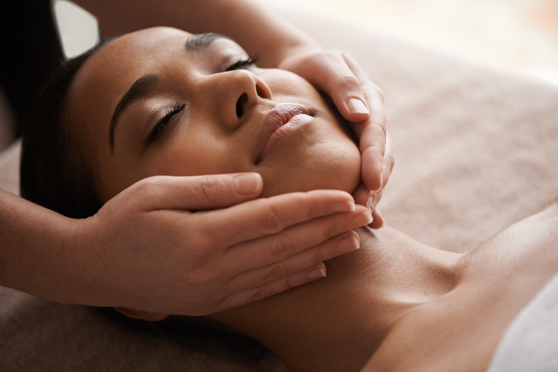 Organic facials - Relax deeply into a rejuvenating face massage using the highest quality facial oils to pamper your skin.