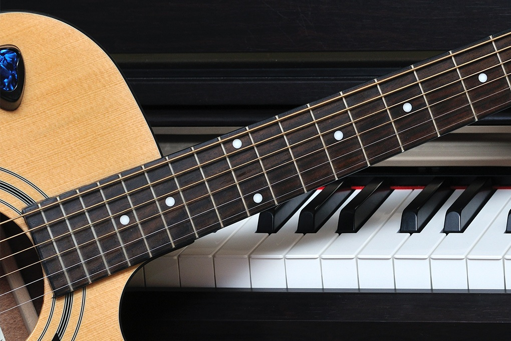 Music Lessons with Jonathan Hamrick - 2 one-hour piano or guitar lessons with professional musician, Jonathan Hamrick.Valued at $120Starting bid $60