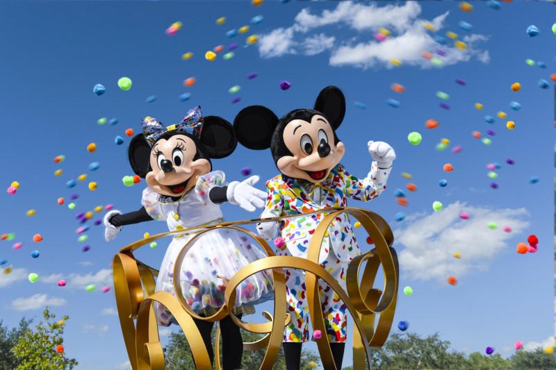 Disney Park-Hopper Passes - 2 Park-Hopper passes to any Disney park in the world!Valued at $400Starting bid $200