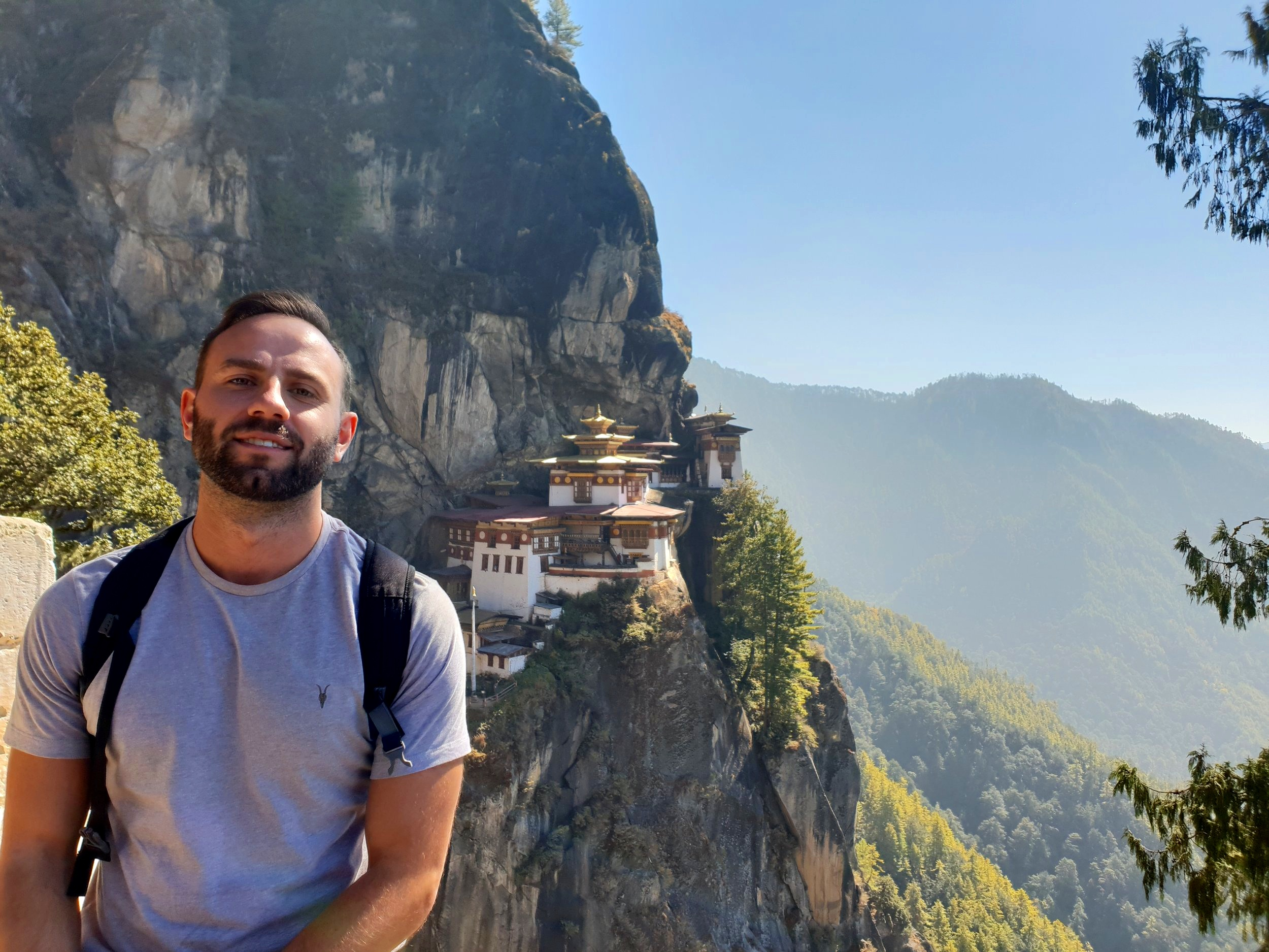 A great picture of the Tiger's nest, ruined by the image of an ape of the left hand side of the screen who insisted upon his inclusion in the photo. I doubt any picture is improved by the inclusion of a human, but for some reason this does not stop us all doing it.