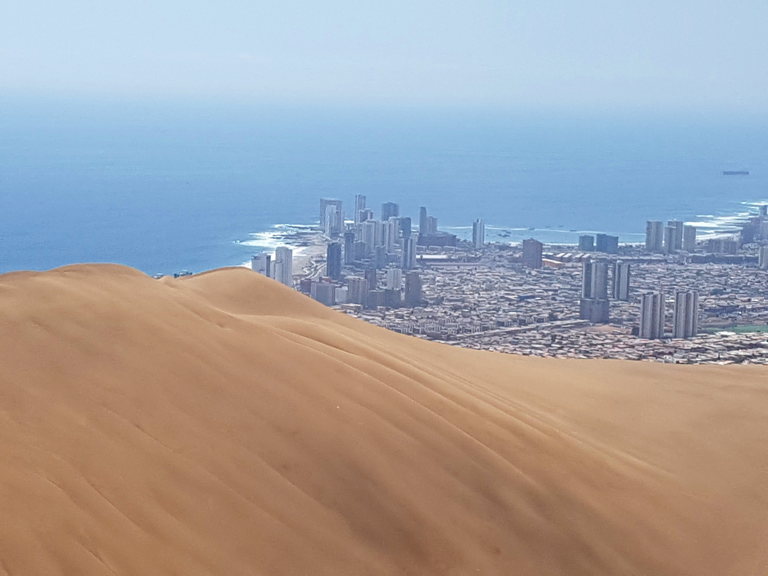 Iquique. Dunes and great surf (I can't surf).