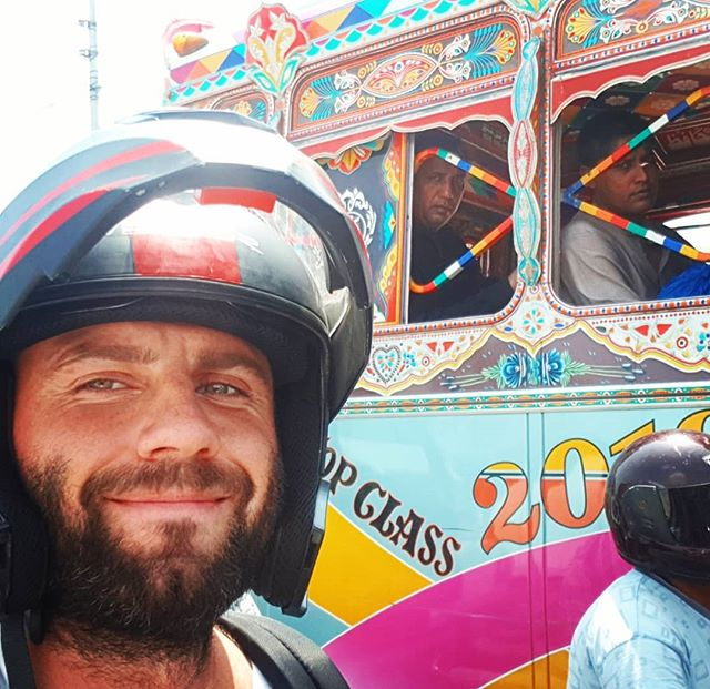 Country 139 - Pakistan. Karachi is huge and chaotic. 15 million people are crammed into the city, which I decided to explore on motorbike. As you can see by the faces of the gents on the bus behind me, everyone was delighted to see me. As you can't see, I'm sat on the back of the motorbike and am not driving it myself. Given how dangerously everyone drives here, I didn't feel brave enough to take it on myself. . . #chasing193 #travelerscenturyclub #thetravellingape #dailywanderlust #wanderlustdaily #chasing195 #travelsolo #everycountryintheworlrd #digitalmomad #travel #picoftheday #instapassport #themoreyouknow #everycountry #roamtheplanet #letsgosomewhere #neverstopexploring #exploretheworld #pakistan #travelpakistan #karachi #travelkarachi