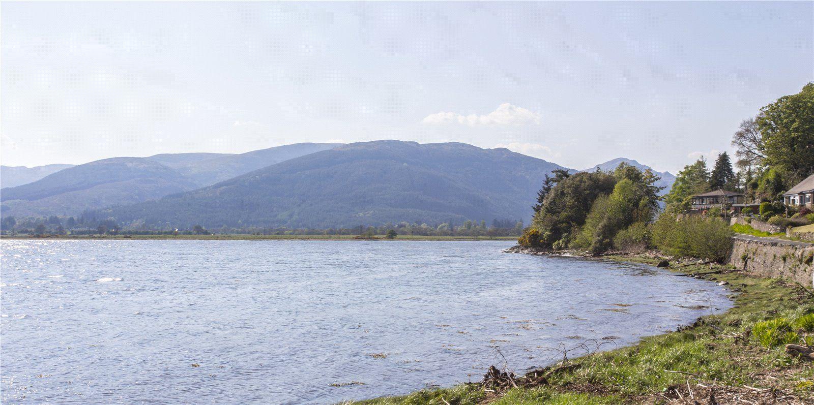 OldKilmunHouse-Scotland-Dunoon-BenmoreBotanicGarden-HolyLoch.jpg